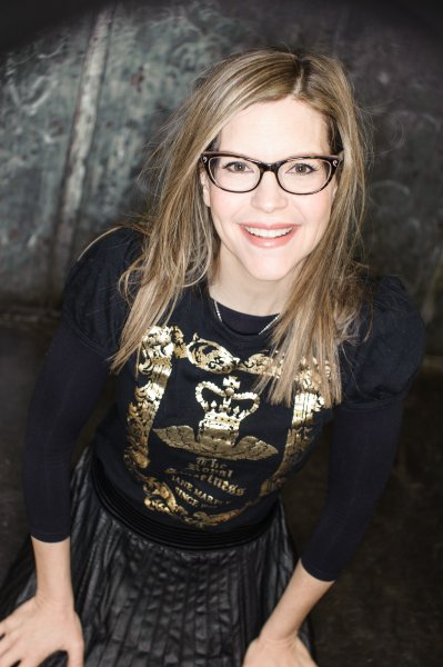 LISA LOEB by Juan Patino Photography
